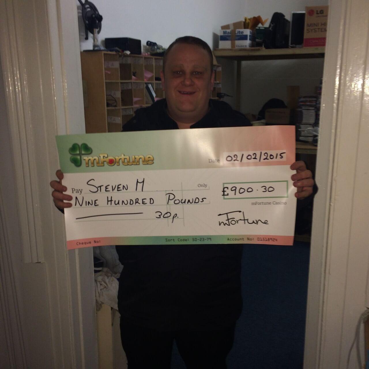 Steven M won £ 900